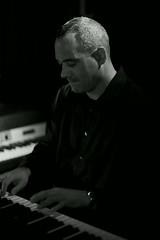 Greg Murphy. (H_M_A) Tags: new york bw music white black monochrome bar club dark mono blackwhite moody greg live 14 gig 85mm jazz atmosphere venue murphy jazzmusic a900 gregmurphy newyorkjazz