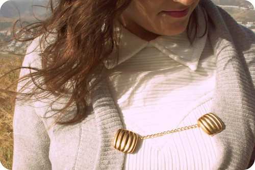Golden Square Cardigan Clip