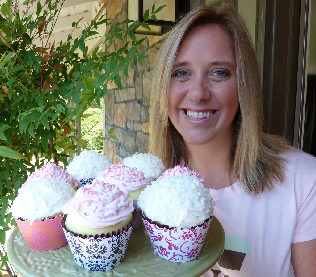 Cupcake interview with Carrie Middlemiss of cupcake wrapper company Bella Cupcake  Couture