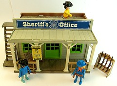 Sheriffs Office Playmobil Trol (wagner_arts) Tags: