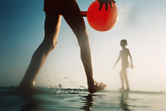 , (Benedetta Falugi) Tags: analog film nikonl35awaf 35mm kodakgold 100iso bythesea unusualseasons summer estate benedettafalugi sea beach wwwbenedettafalugicom believeinfilm analogphotography