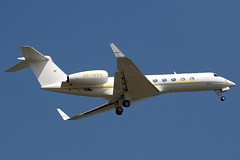 8P-MSD - Private - Gulfstream Aerospace G-V-SP Gulfstream G550 (G5) - Luton - 090702 - Steven Gray - IMG_5197
