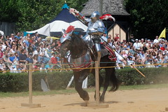 At the Joust - Maryland Renaissance Festival - 090609 (jrozwado) Tags: horse usa maryland armor northamerica knight renaissancefestival joust marylandrenaissancefestival crownsville