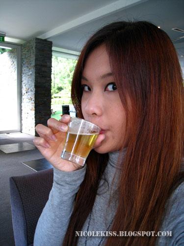 drinking cascade pale ale