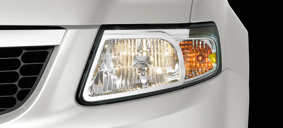 Mazda Tribute halogen headlights