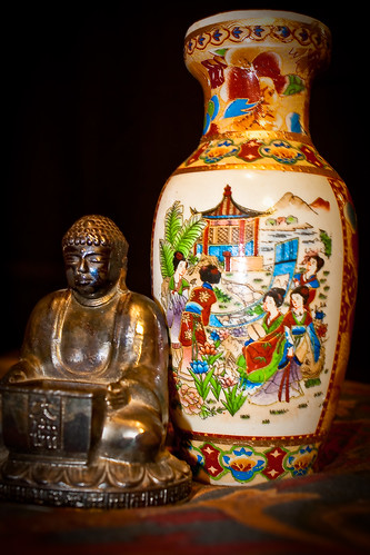The Buddha and the Vase - 126/365 12 October 2009