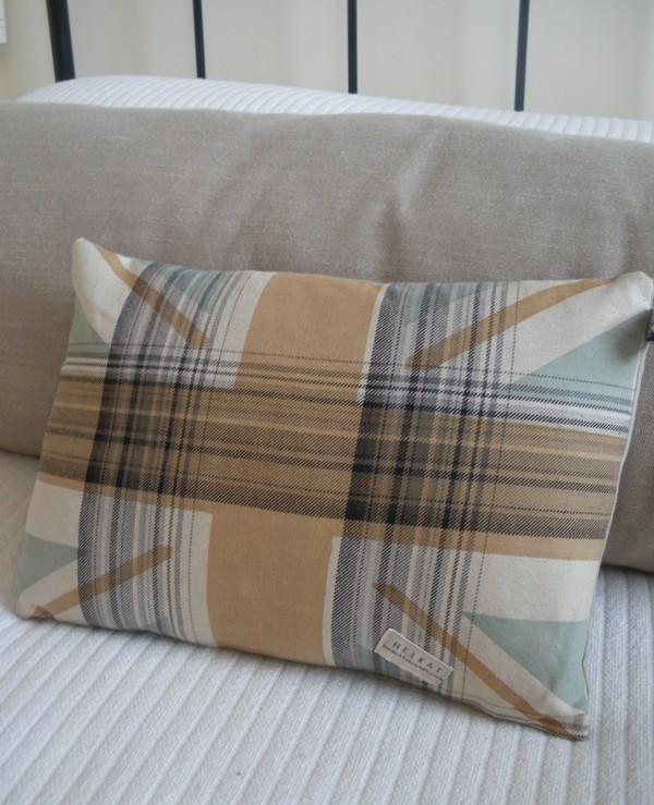 Union Jack cushion plaid