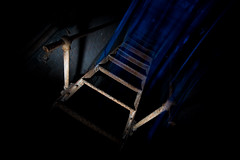 beam me up (mav_at) Tags: camera urban stairs photography photo nikon factory foto fotografie exploring fabrik flash d70s sb600 beam treppe blitz scotty kamera laforge urbex obrian strobist beamen entfesselt maverickat mavat