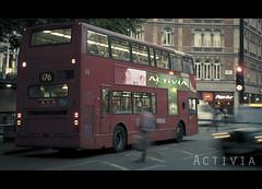 039. ACTIVIA (Raul Juan) Tags: street red portrait urban cinema bus london film girl modern calle rojo chica cine londres coventgarden urbano cinematic autobus redbus advertissement 365days cinematico 365dias project365days proyecto365dias routmasters rauljuan