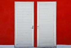 Doors (Mario Seplveda) Tags: red gris rojo aluminum doors gray mario minimal estadio minimalismo 5th minimalistic sepulveda puertas aluminio hernndez minimalista seplveda coatza 5to fototour coatzacoalcos ochoa phototour seplveda