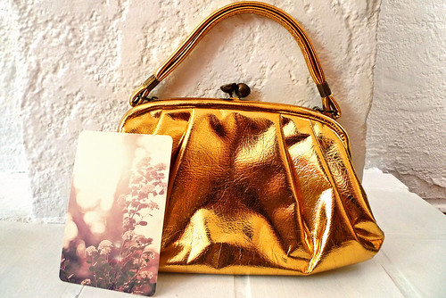 Gold Purse w/ Pic from Elle Moss