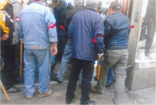La CGT expusle les sans-papiers de la Bourse du travail