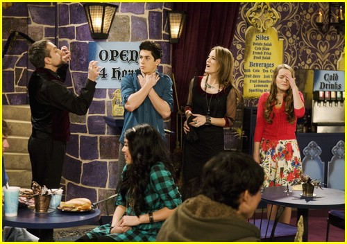 david-henrie-bridgit-mendler-love-first-bite-09