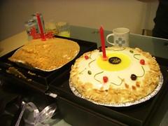 今年生日兩個蛋糕 (by Jeff Yeh)
