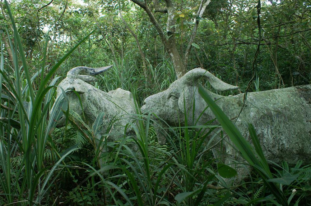 大崙頭尾119 怪雕塑