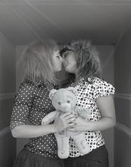 Heroes in a box (Angelo Nairod) Tags: girls love bowie box teddybear heroes pois davidbowie angelonairod