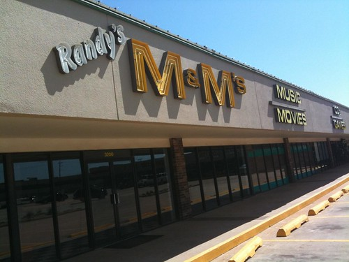 Randy's M &M's in Edmond on Broadway - Closed for Good