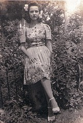 Mother 1940 Morovis, Puerto Rico (juliealicea1947) Tags: puertorico 1940 mother oldphoto platformshoes flowersinherhair morovis 1940sshoes barriounibon