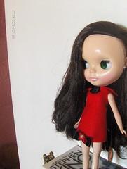 a menina do vestido vermelho...