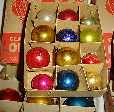5vintage-ornaments