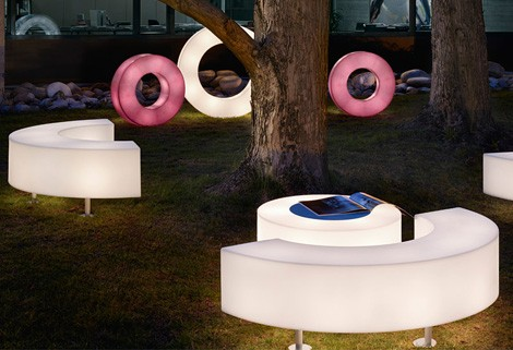 modoluce-light-up-furniture-atollo-outdoor-2