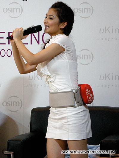 Selina giving a demo on using the uKimono