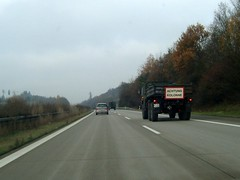 Y-Tours ... (bayernernst) Tags: november rot truck army bayern deutschland military transport transportation trucks kontrast 2009 armee militär bundeswehr lkw militaryvehicles lastkraftwagen militärfahrzeuge deutschebundeswehr truckpictures 15112009 sn208744