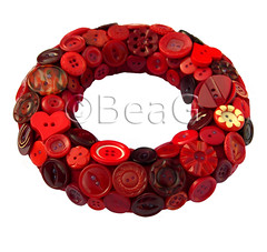 Button Wreath (Knopenkrans) (Made by BeaG) Tags: christmas red circle design holidays belgium handmade buttons unique decoration creative belgi wreath round button recycle decor rood krans reuse cirkel reclaim rond repurpose knopen recyclage beag vintagebuttons hergebruik indiedesigner redbuttons buttonwreath indieartist recycledecor designedandmadebybeag ontworpenengemaaktdoorbeag craftingwithbuttons knutselenmetknopen vintageknopen knopenkrans rodeknopen recyclehomedecor designerwreath designerwreaths