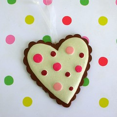 Pretty heart cookie decoration (toriejayne) Tags: christmas pink food cookie candy decoration cream sweets iced 2009 polkadot hangingdecorations christmastreedecorations toriejayne