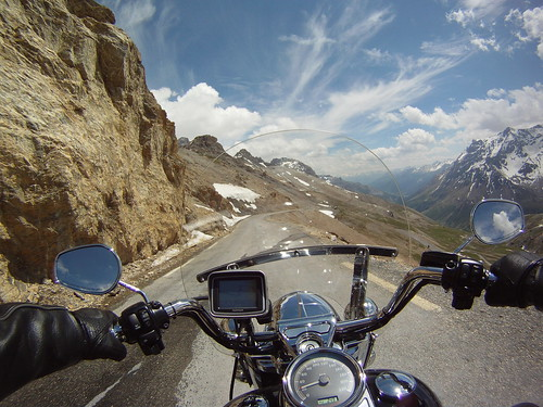 Ascension du col du Galibier en Harley Road King Classic