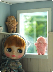 weirdo at the window :0 (megipupu) Tags: toy figure blythe treeson bubiauyeung megipupu misssallyrice