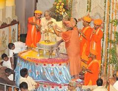 Janmashtami Celebrations at Sri Krishna Janmabhoomi - Midnight 14th August, 2009 (m) (Udasin Karshni Ashram / Naresh Swami) Tags: abhishek gokul mathura ramanreti udasinkarshniashram swamikarshninaresh srikrishnajanmashtamicelebrations srikrishnajanmabhoomi nareshswami