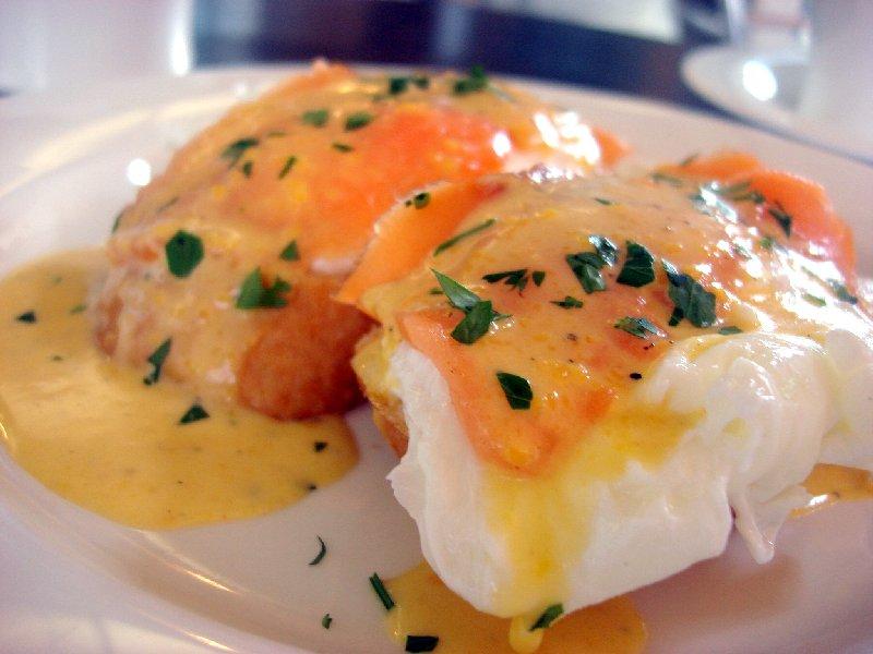 egg benedict2