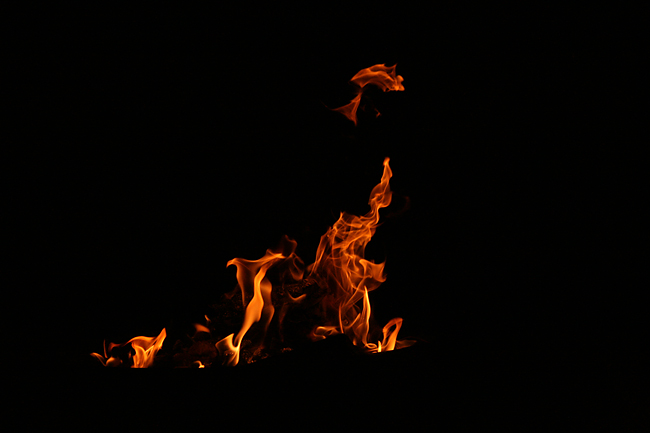 20090828 camping lagerfeuer03
