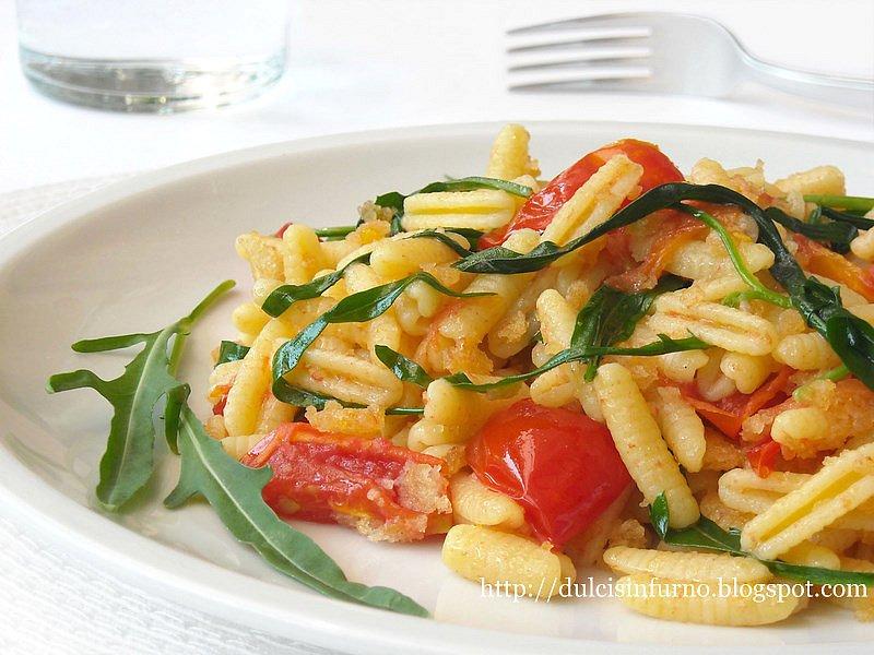 Gnocchetti con Rucola, Pomodorini e Mollica