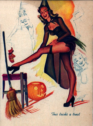 HALLOWEEN PINUP WITCH