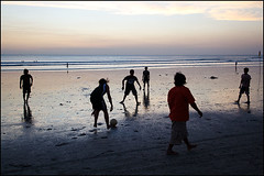 beach football - Kuta (Maciej Dakowicz) Tags: sunset sea sky bali game tourism beach sport ball dark indonesia football asia play soccer tourist kuta kutabeach souheasasia