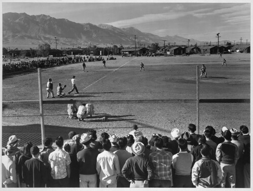 Baseball game, Manzanar Relocation Center, Calif. (LOC)