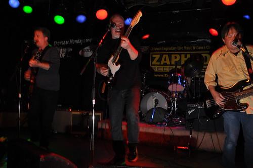 The Scenics at Zaphod Beeblebrox