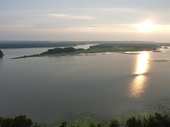Mississippi at sunset (sfgamchick) Tags: statepark sunset river mississippiriver greatriverroad illinoisstatepark mississippipalisades mississippipalisadesstatepark