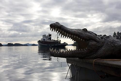 Ganges_croc_eats_tugboat