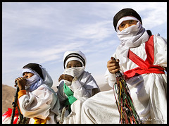 They Proud to be a Tuareg ! (Bashar Shglila) Tags: sky sahara proud kids clouds children kid sony be they libya dsc tuareg tradtional libyan libyen  lbia libi libiya sahran culturs liviya libija theunforgettablepictures  tagelmust hx1  dschx1    lbija  lby libja lbya liiba livi