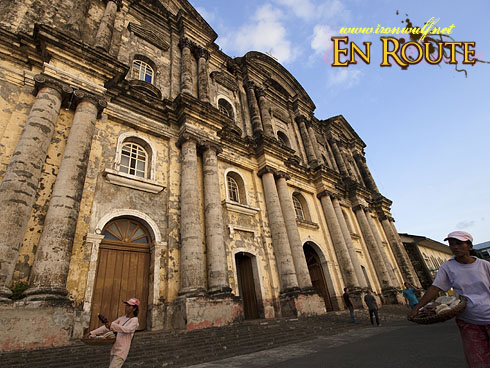 Taal Basilica of Saint Martin and Vendors