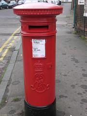 Chesham - Germain Street - Post Box HP5 11 (Faversham 2009) Tags: architecture buildings post box buckinghamshire pillar postoffice royalmail townscape chesham hp511