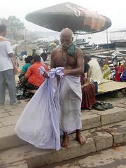 Tying Dhoti 1.7 (amiableguyforyou) Tags: india men up river underwear varanasi bathing dhoti oldmen ganges banaras benaras suriya uttarpradesh ritualbath hindus panche bathingghats ritualbathing langoti dhotar langota