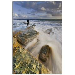 Waves hunter (alonsodr) Tags: sunset beach atardecer andaluca seascapes sony playa filter alpha cdiz alonso tarifa marinas carlzeiss puntapaloma nd8 a900 alonsodr alonsodaz alpha900 degradadoinverso sergiotudela cz1635mm mygearandme reversegraduated