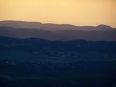 Abendlicht-Schichtung (M.J.AL) Tags: ballon balloon ballonfahrt heissluftballon schwbischealb ballonfahren luftsport sonnenbuehl