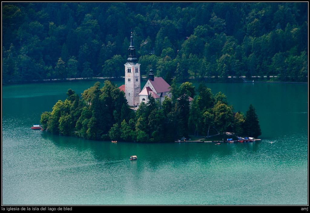 la iglesia de la isla del lago de Bled