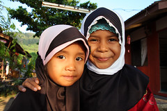 Two local muslim girls on Pulau Tioman (sensaos) Tags: girls portrait people girl smile face children religious island asia child retrato air south muslim islam hijab east malaysia portret tioman ritratto pulau batang maleisie zuid azie oost azi moslim maleisi portet
