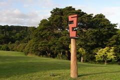 2007-12-23-Stoneleigh-2007-17-03-Signal (russellstreet) Tags: newzealand sculpture auckland signal nzl manukau aucklandbotanicalgardens charlottefisher sculpturesinthegarden2007 stoneleighsculpturesinthegarden2007
